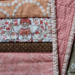 Les petites filles baby throw