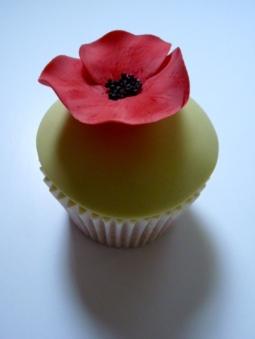 Poppy cupcake detail