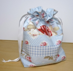 Shabby chic drawstring bag