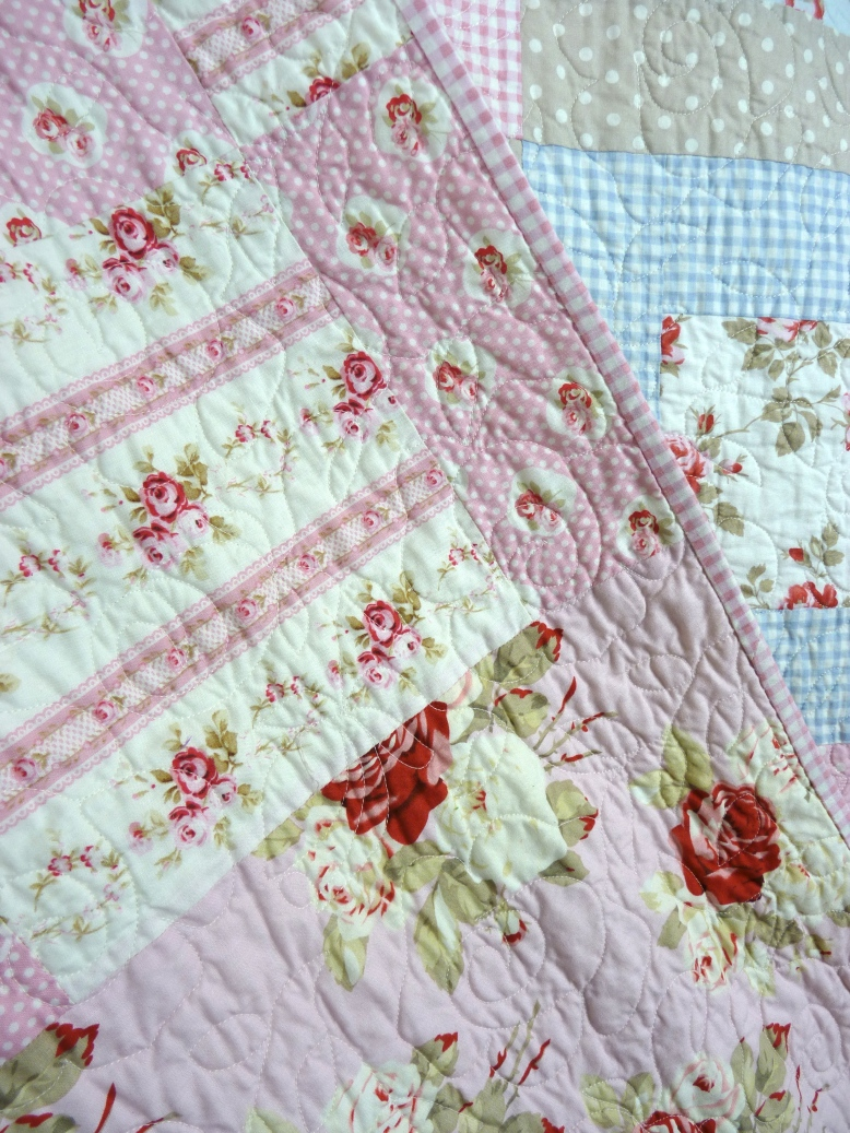 Pieced backing on shabby chic/country cottage style quilt