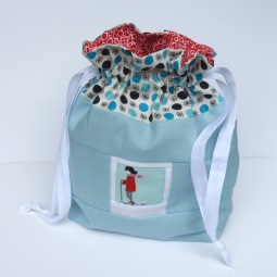 Scooter girl photo drawstring bag